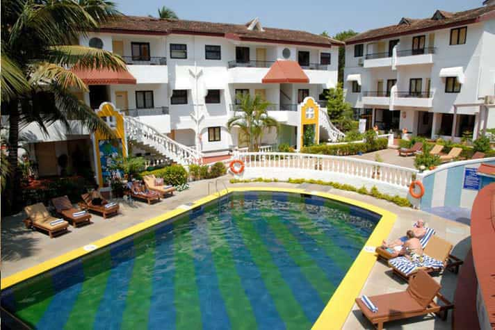 Swimming pool - Hotel in Goa