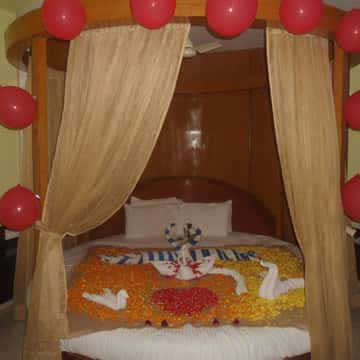 Honeymoon Suite Room