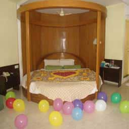 Goa Hotel - Honeymoon Suite Room
